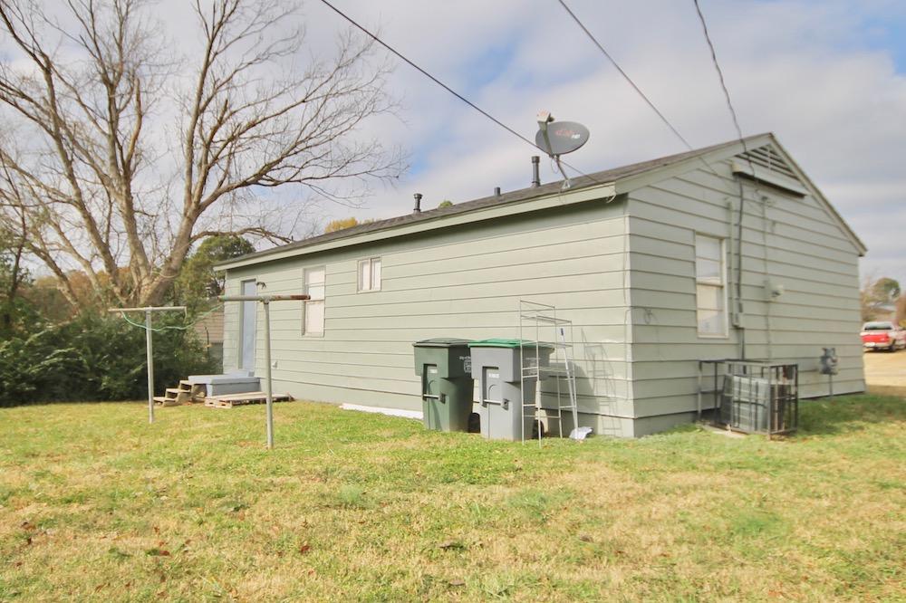 391 Washburn Dr <br>Memphis, TN 38109