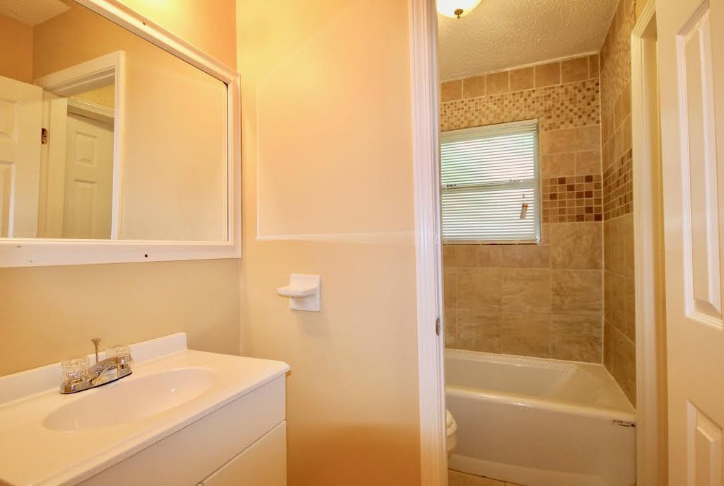 4174 Double Tree <br>Memphis, TN 38109